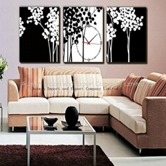 Living Room Decor Picture With Wall Clock