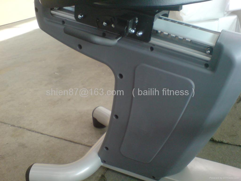 健身房商用器材---R2 (R2TV)卧车 4