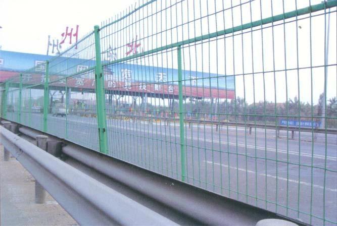 厂家促销公路护栏网 1