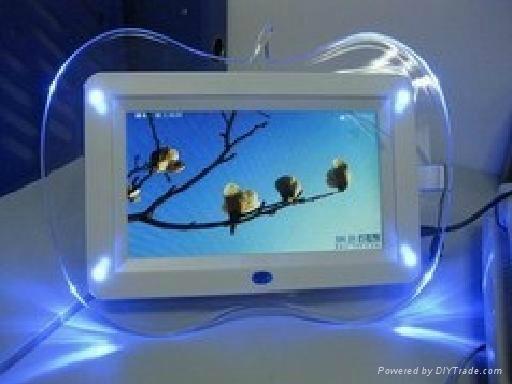 供應7寸蘋果帶燈數碼相框 1