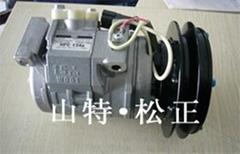 现货小松PC55MR-2空调压缩机