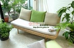 Three children Milo sofa style stylish simplicity