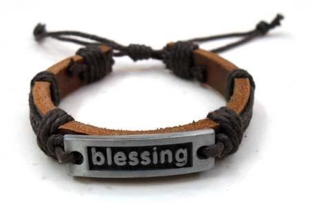 2011 fashion leather bracelet 1
