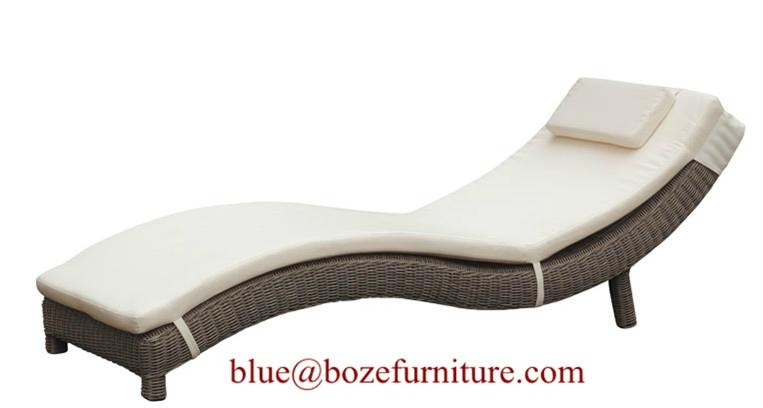 Wicker lounge bed outdoor furniture rattan chaise lounge for Cane chaise lounge furniture