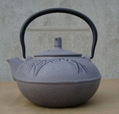 Traditional casting iron teapot 1.4L