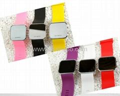 2012 Pop fasion mirror LED digital silicon sports watch