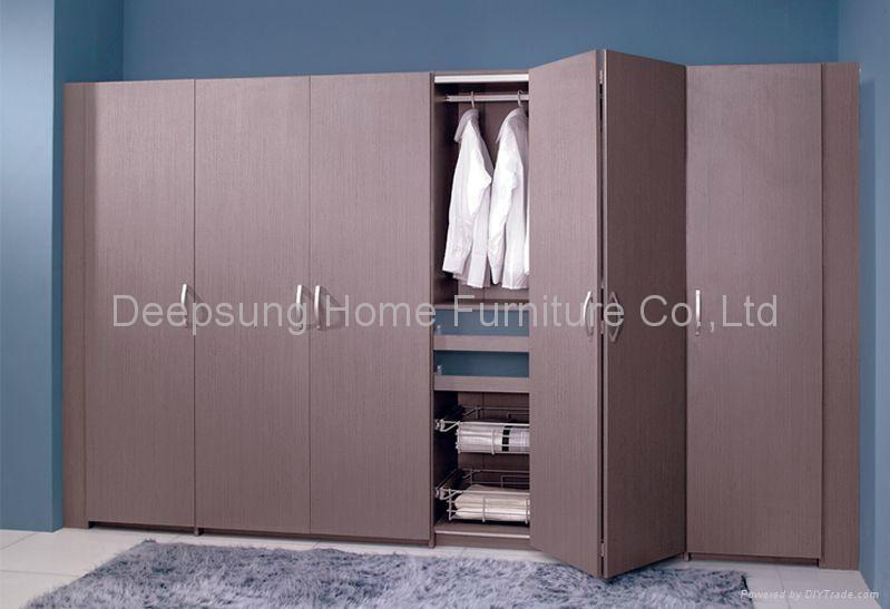 Folding Doors Bedroom Wardrobe Folding Doors