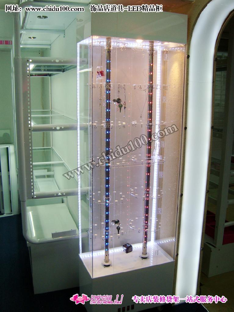 尺度空间专业提供饰品行业装修货架,小饰品店装修效果图,饰品货架
