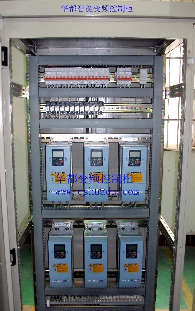 变频器供水怎么设置压力答:连接空气开关,漏电开关,电源,检查接线无误