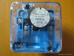 日本山武C6097A壓力開關