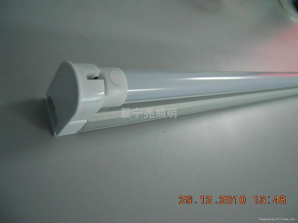 T5 0.6米無眩光3528 90燈日光燈 4