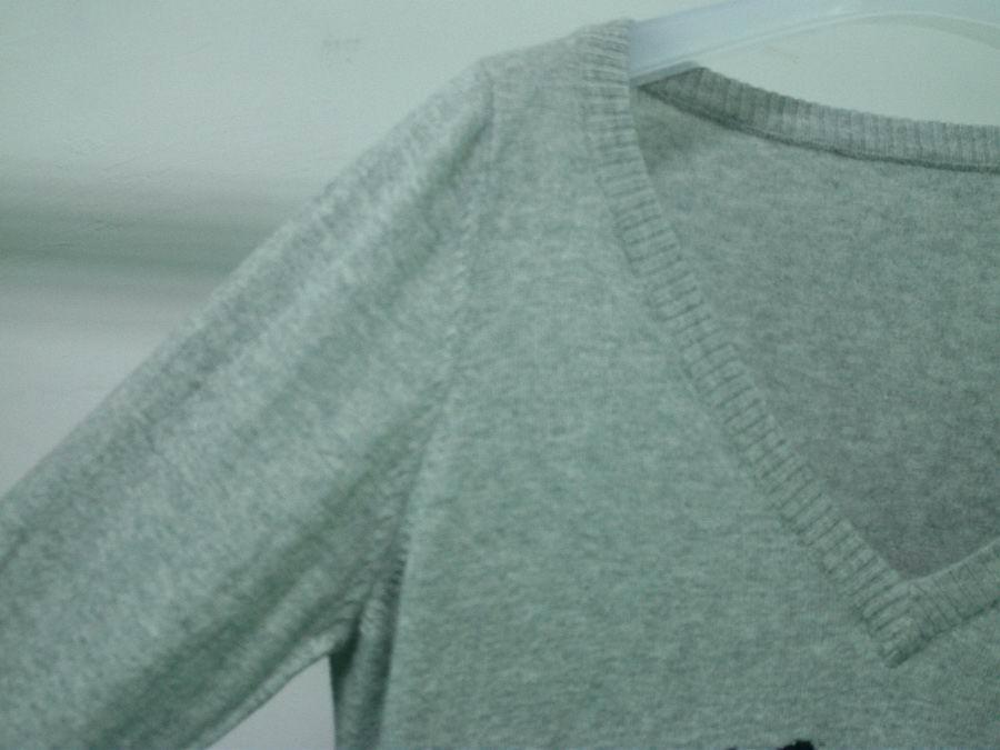 knit V-neck long style sweater 4