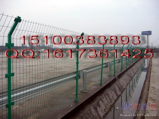 围墙钢丝网 1