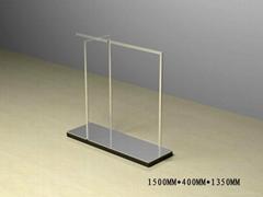 供應  設計製作鏡面服裝不鏽鋼展架