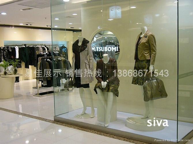 品牌女裝展櫃 1