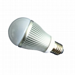 7w LED buld with E27 base and 50,000 hours lifespan