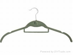 shirt hanger with tie bar and cascading hook