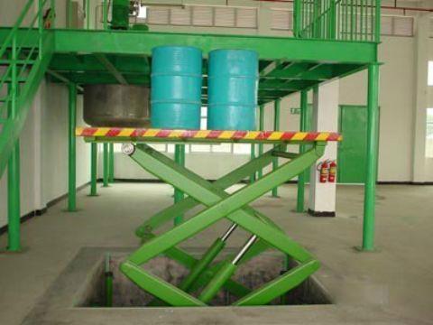 通用机械 / 液压机械及部件 标签: 升降机 , 固定升降机 , 液压升降机图片