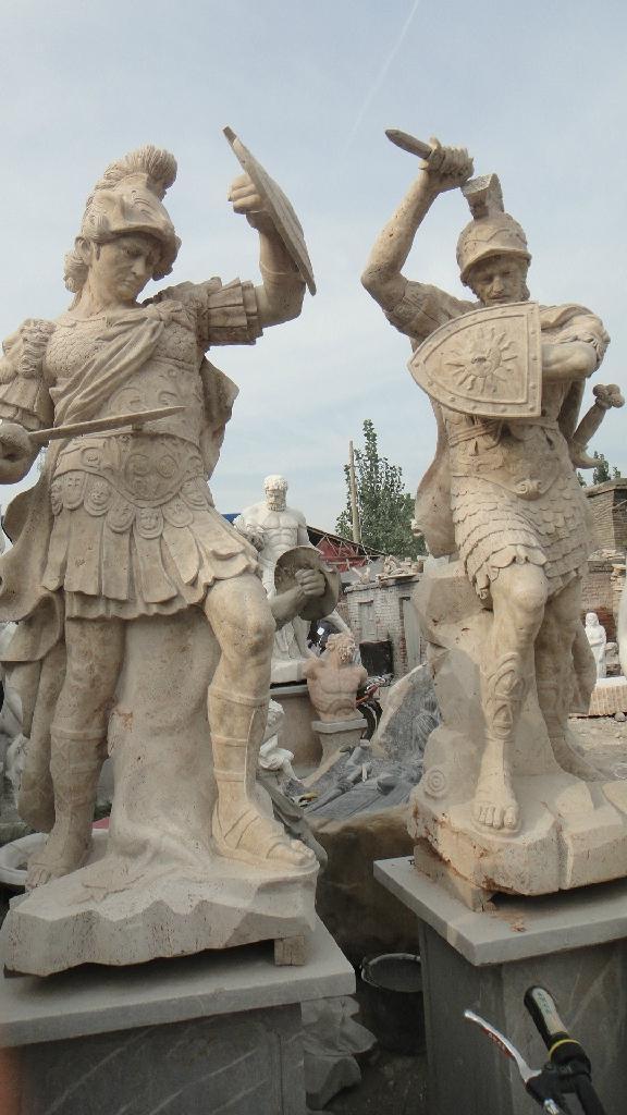 西方武士雕像 3