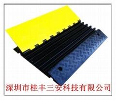 橡胶线槽减速板