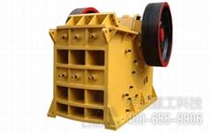 專業生產大型顎式破碎機及配件