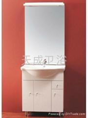 中纤维板材白色烤漆浴室柜