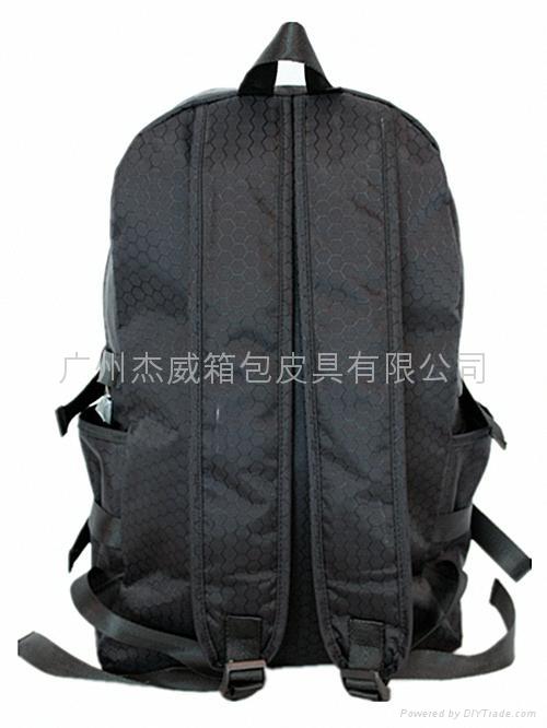 时尚休闲双肩背包 4