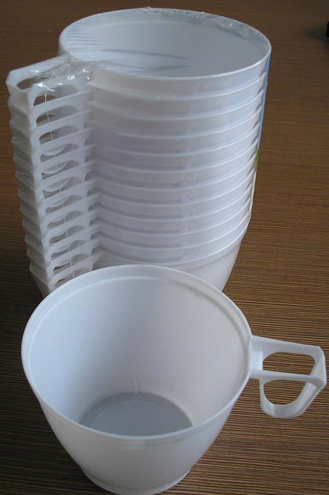 Plastic Cups 2