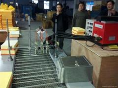 汽车空气滤清器热熔胶机