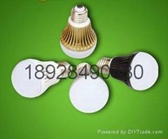 LED球泡灯4瓦厂家直销