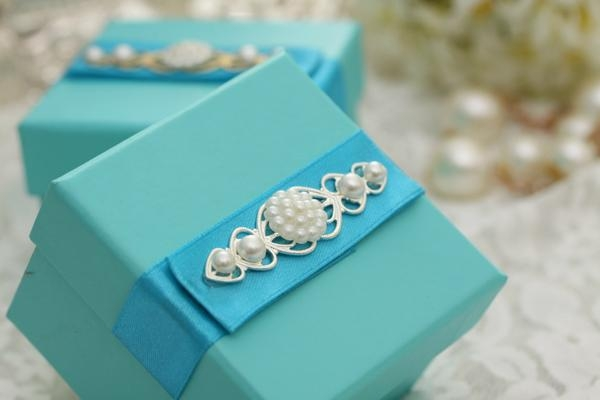 Delicate Candy Box for wedding  1