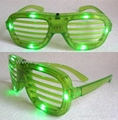 Novelty glasses with flash light