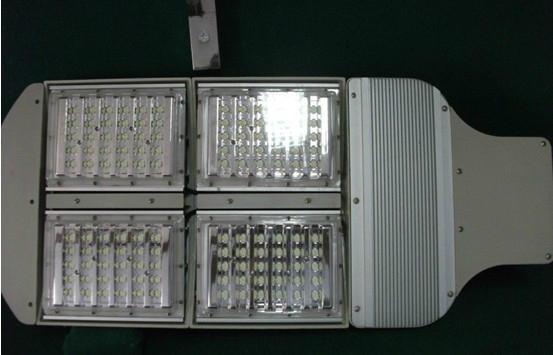 LED大功率太阳能路灯风光互补 5
