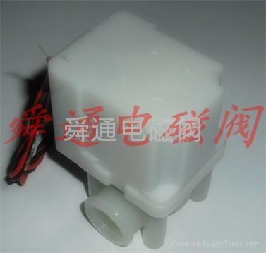 舜通STF-1进水塑料电磁阀 2