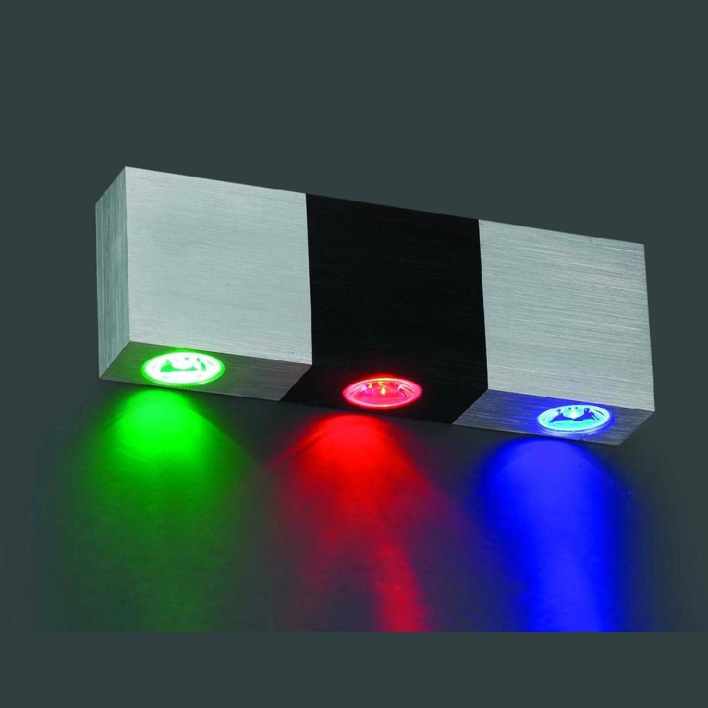 Cool white LED wall lamp 1