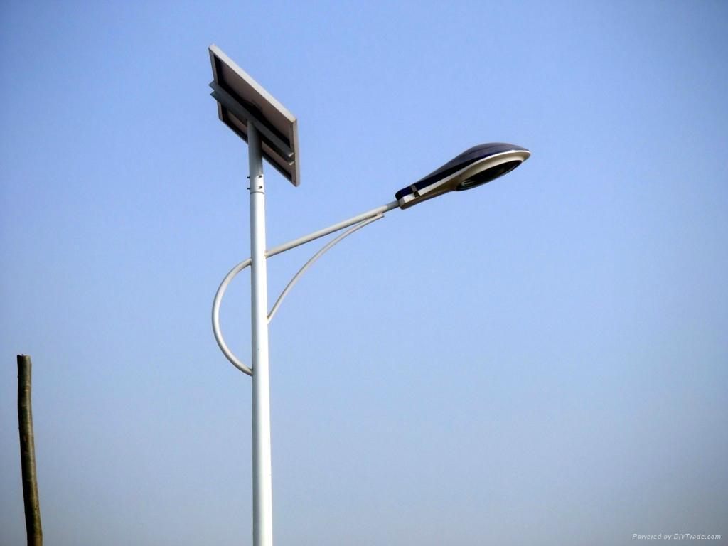 太阳能LED路灯 1