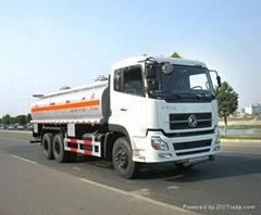 Sinotruck 266hp oil tank truck