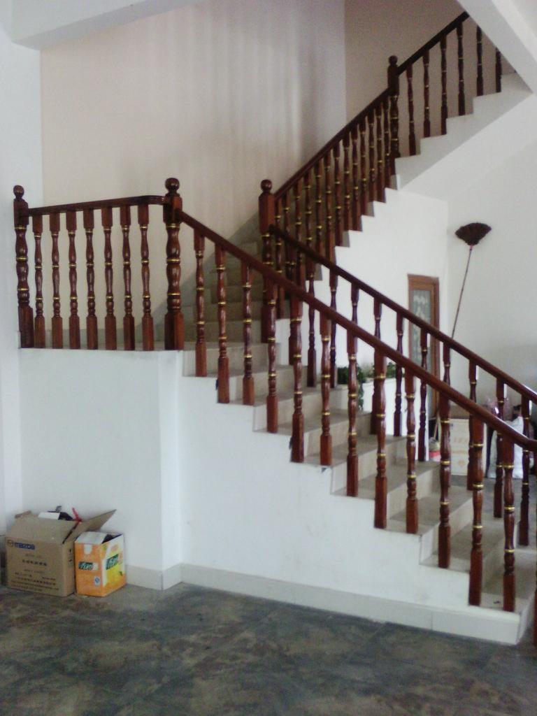 實木樓梯扶手 3