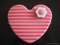 600ml blow molding plastic HDPE heart-shaped love hot water bottles 2