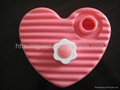 600ml blow molding plastic HDPE heart-shaped love hot water bottles 3