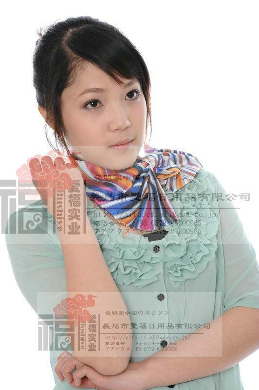 日韓暢銷百變絲巾 1