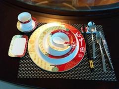 中国红餐具