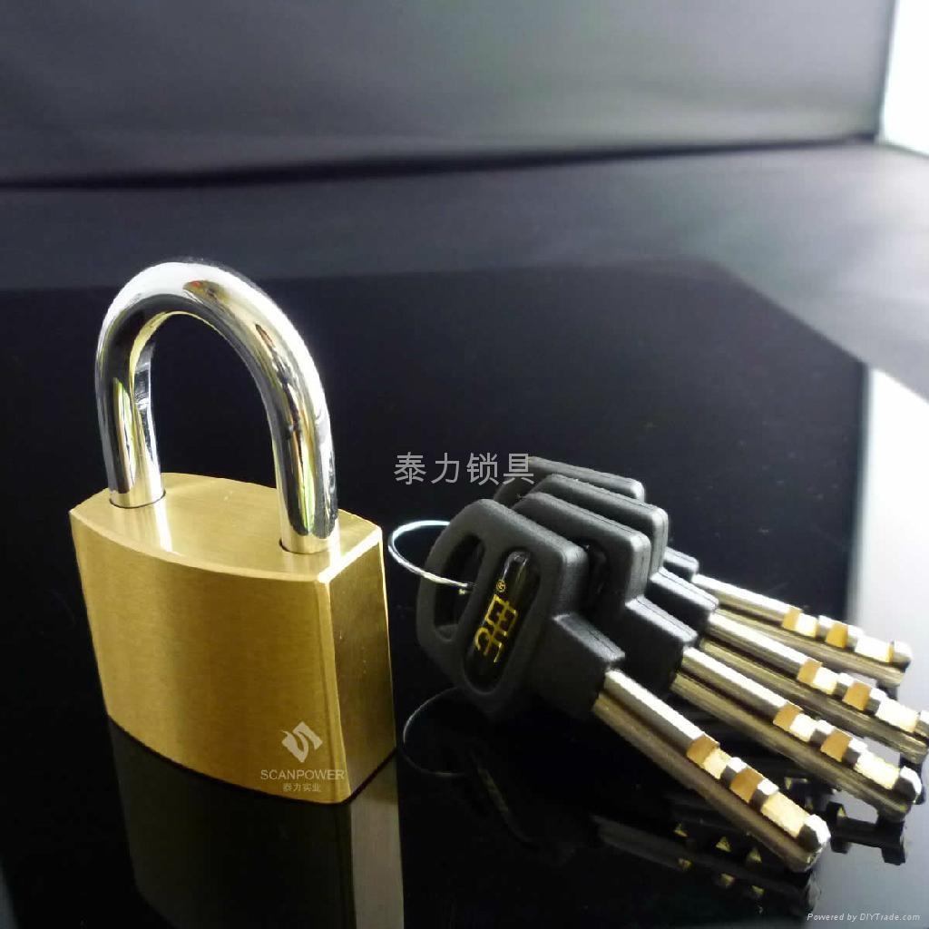 厚型通開銅挂鎖 5