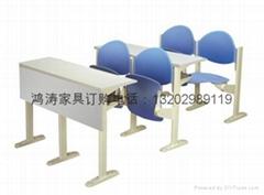 階梯課桌椅