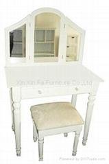 1002 Capella Dresser