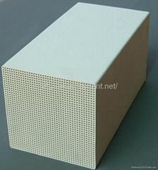Dense aluminum honeycomb ceramic