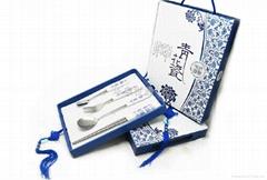 高档青花瓷不锈钢餐具4件套 商务礼品套装