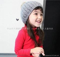 儿童红色T恤