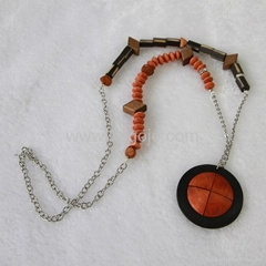 Stripe wood necklace