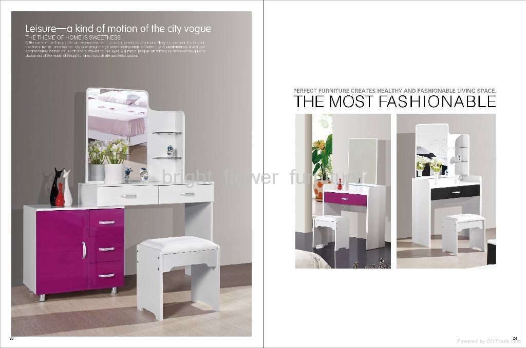 Modern handpainted white wood dressing table bed dresser